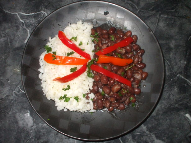 Spanish Cristianos Y Moros ( Beans And Rice Sidedish)