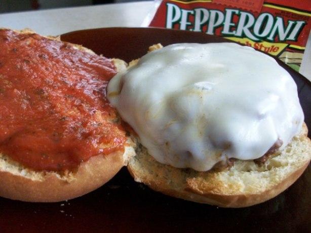 2bleus Pepperoni Pizza Burgers
