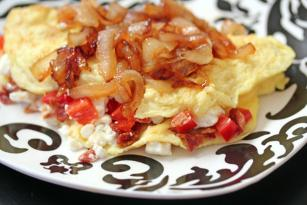 Omelets With Caramelized Onions And Bacon Crumbles