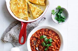 Boston baked beans with frying pan cornbread