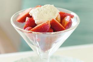 Pimms strawberries with vanilla ricotta