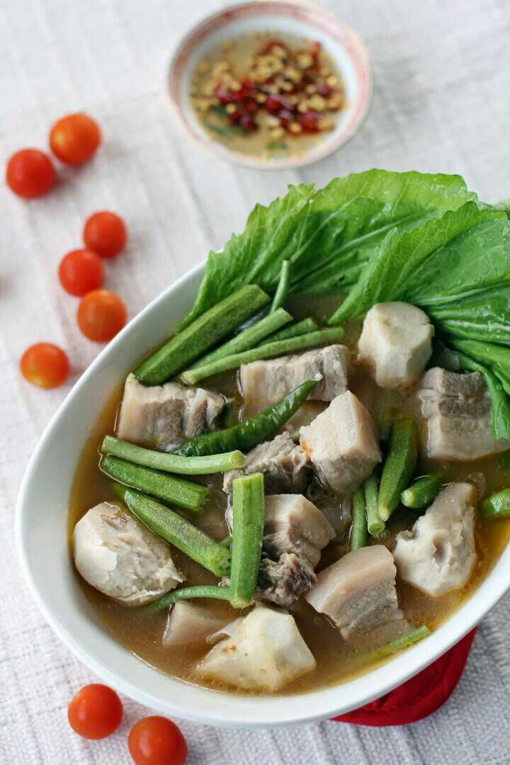 Sinigang(Pork Stew In Tamarind Broth)