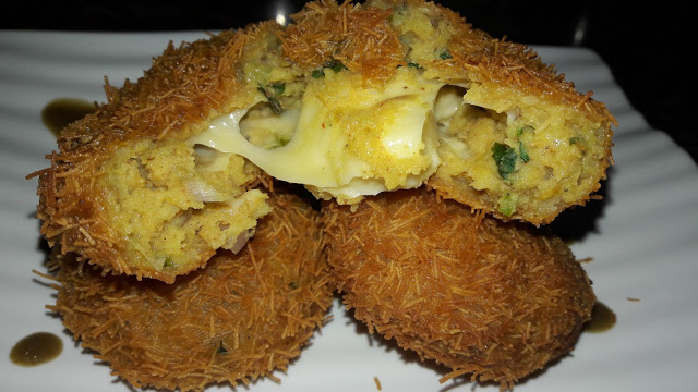 Cheesy Potatoes Balls
