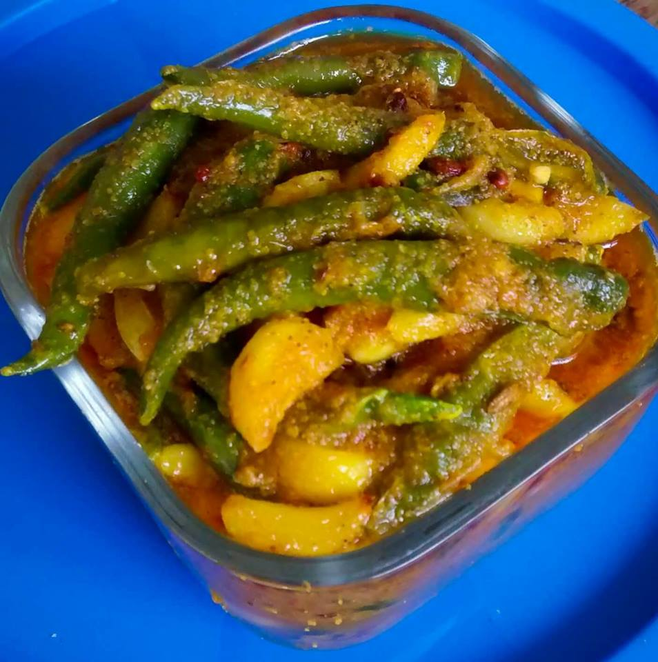 INSTANT GARLIC AND CHILLY PICKLE