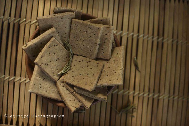 Sorghum Crackers