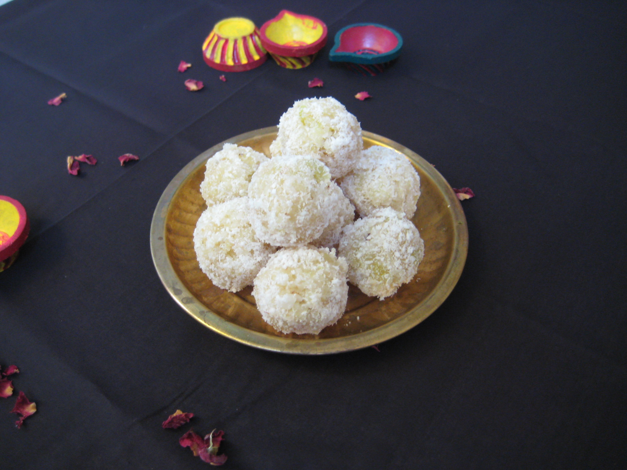 Coconut Papaya Ladoo
