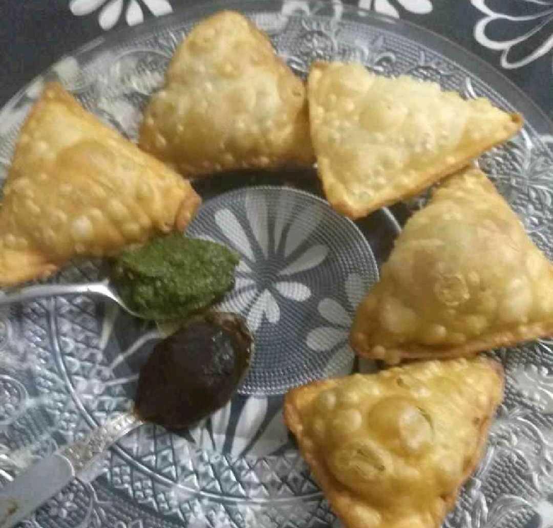 Chutney Flavoured Samosa