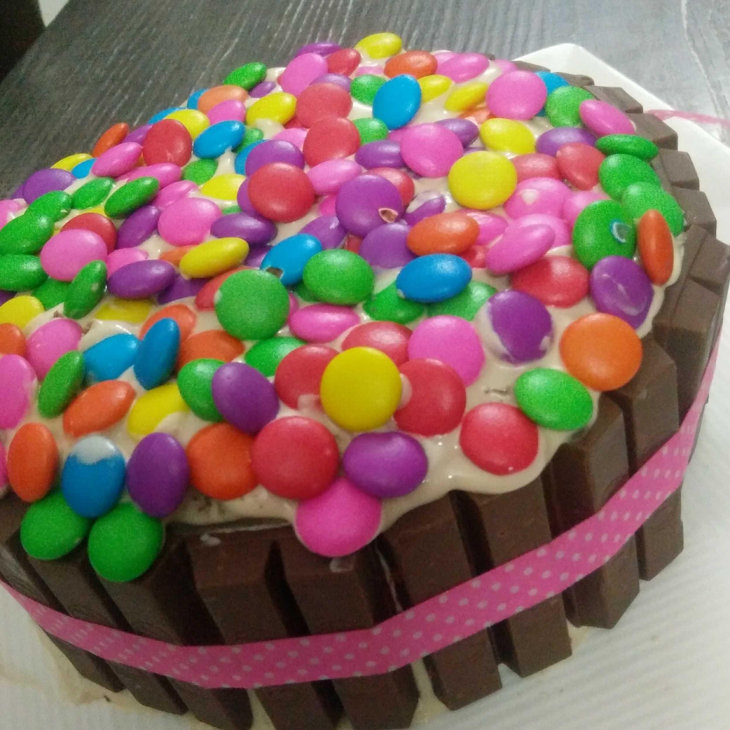 Kitkat Coffee Cake