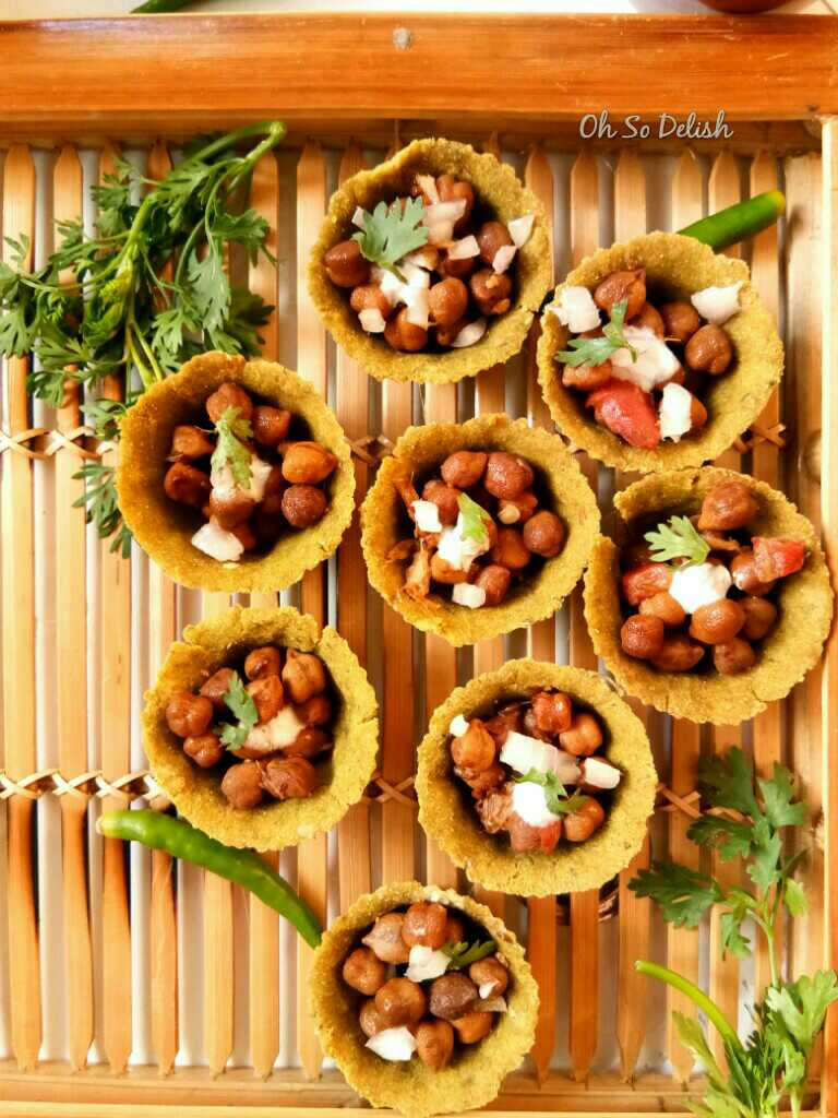 Spinach Tartlets With Black Chick peas Filling