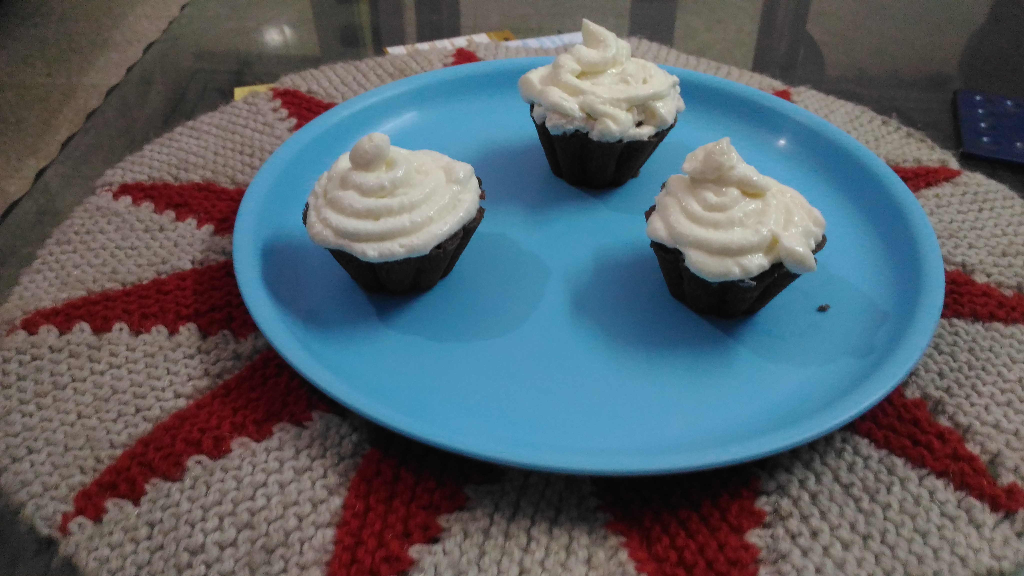 BISCUIT CUP CAKE