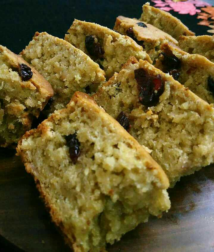 Banana Cranberry Oats Cake
