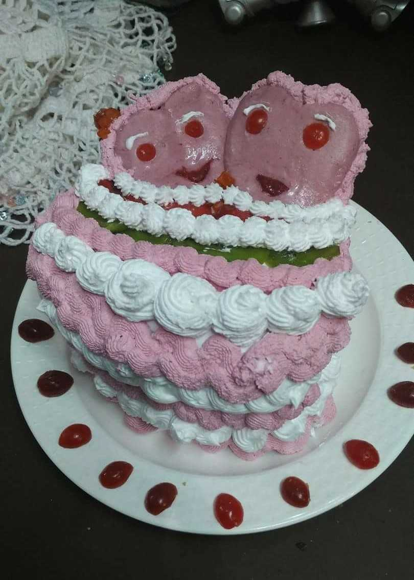 Heart Cake With Three Flavour