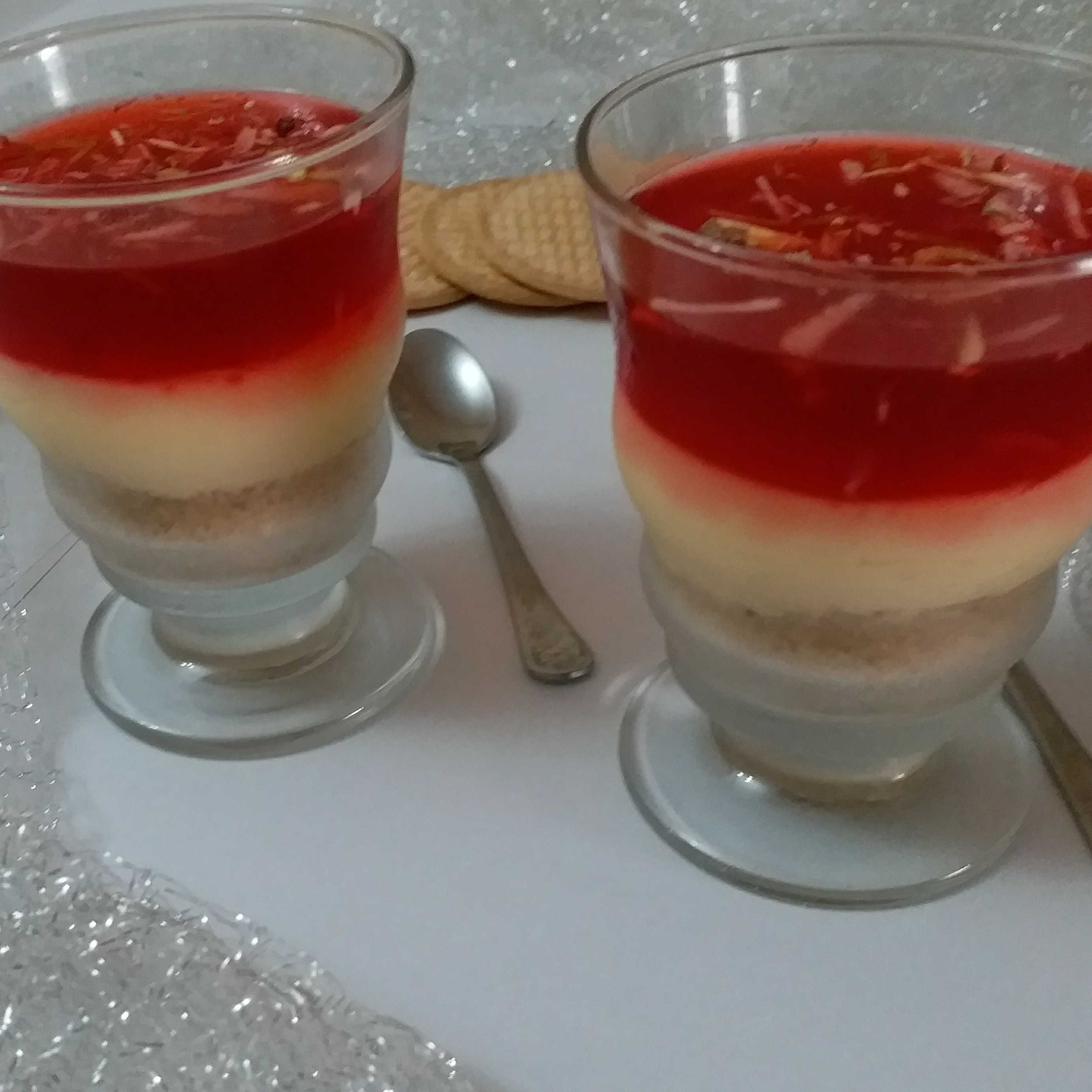 Biscuit Custard Jelly Trifle
