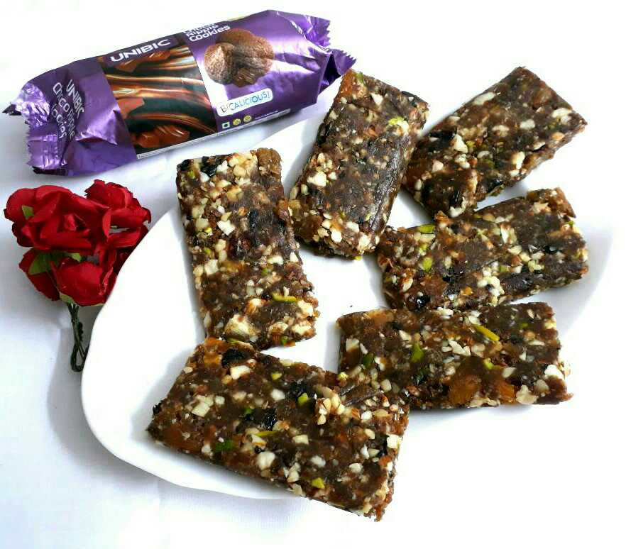 Unibic Cookie and dry Fruit Energy Bar