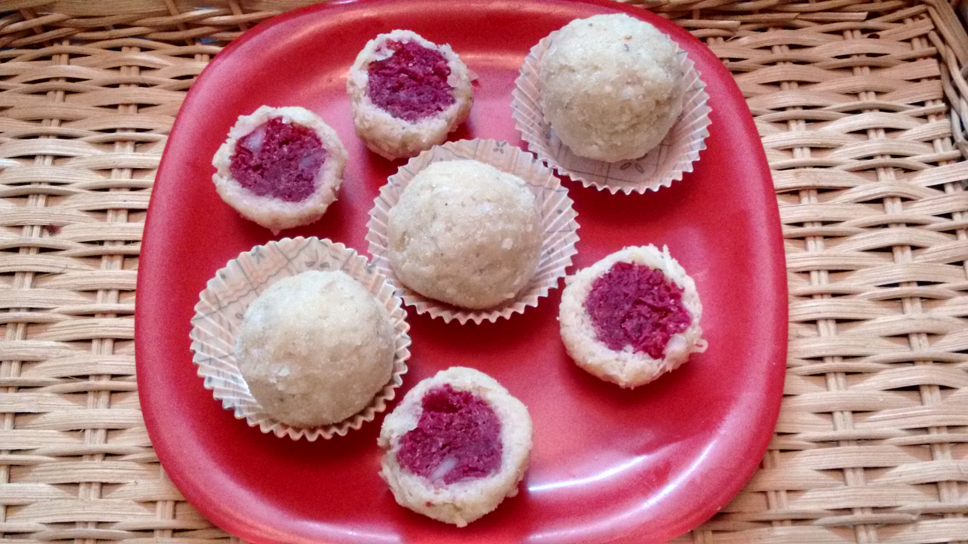 Healthy and Tasty Beetroot Coconut Ladoo