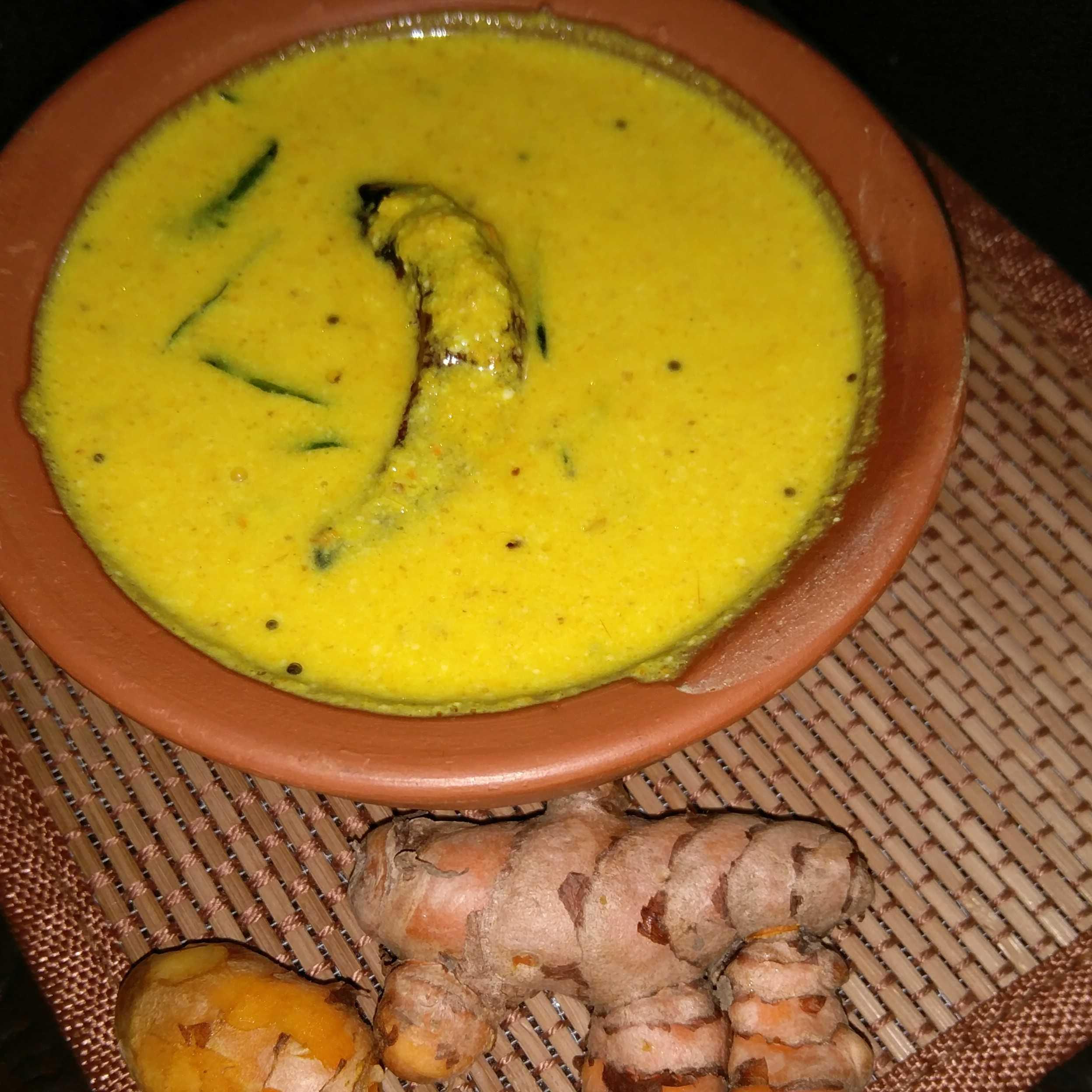 Kachi Haldi Ki Kadhi/Raw Turmeric Plain kadhi