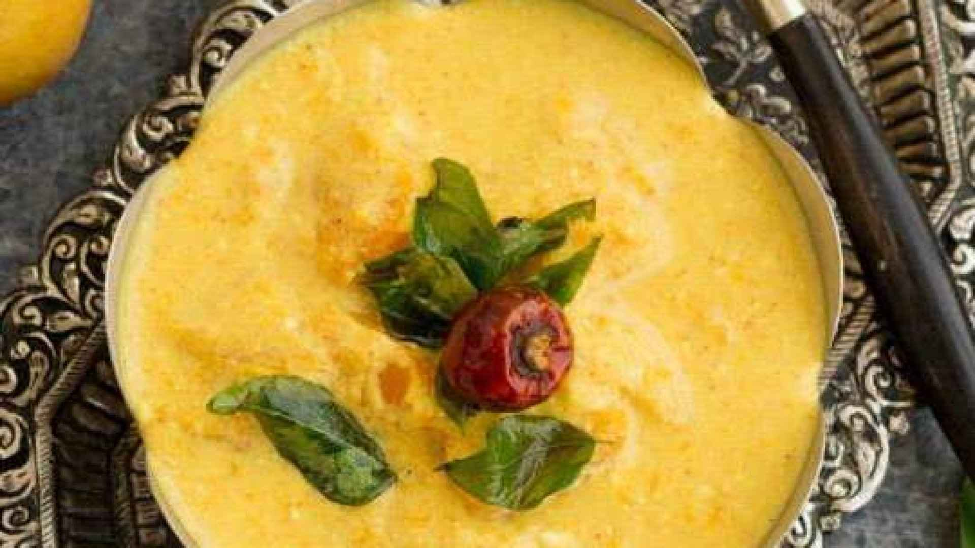 Mambazha Pulissery / Curd based mango curry(sweet & sour)