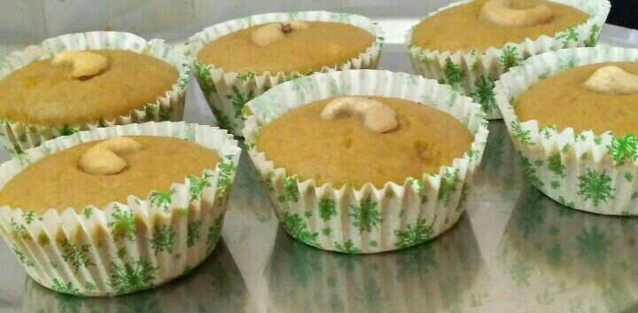 Steamed Rice Cupcakes