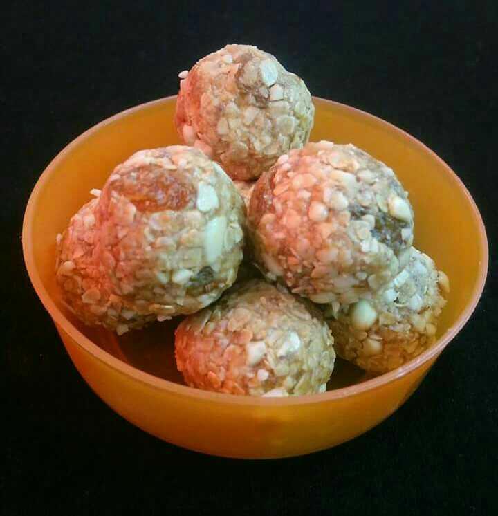 Peanut Butter Oats Balls