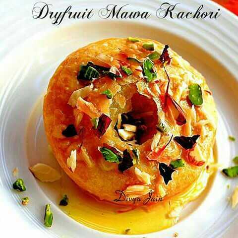 Dry Fruits Mawa Kachori