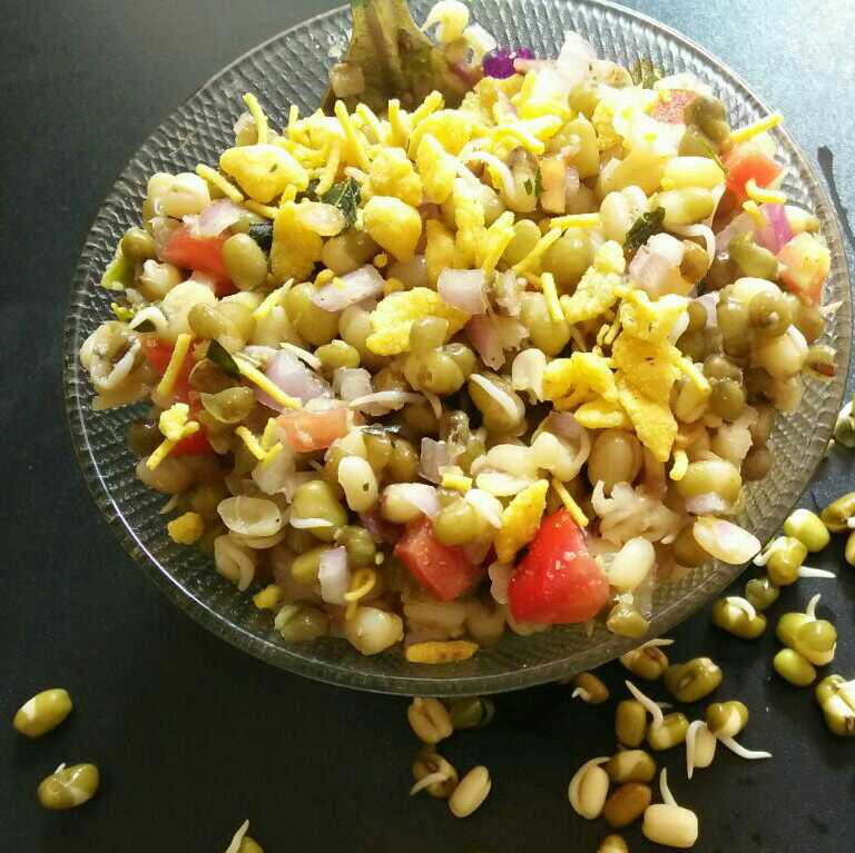 Sprouts Moong Chat