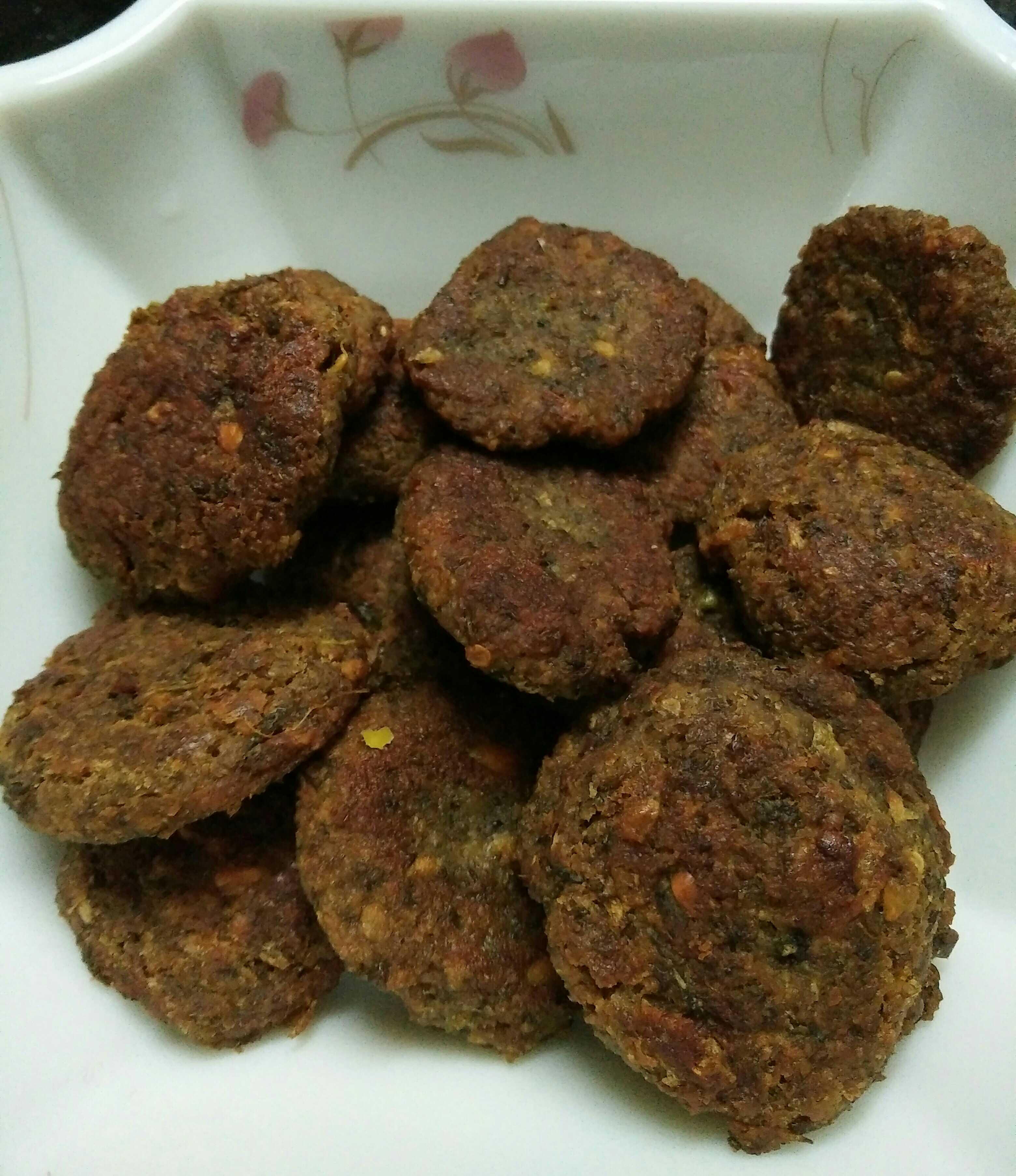 Green Moong Daal And Oats Tikki
