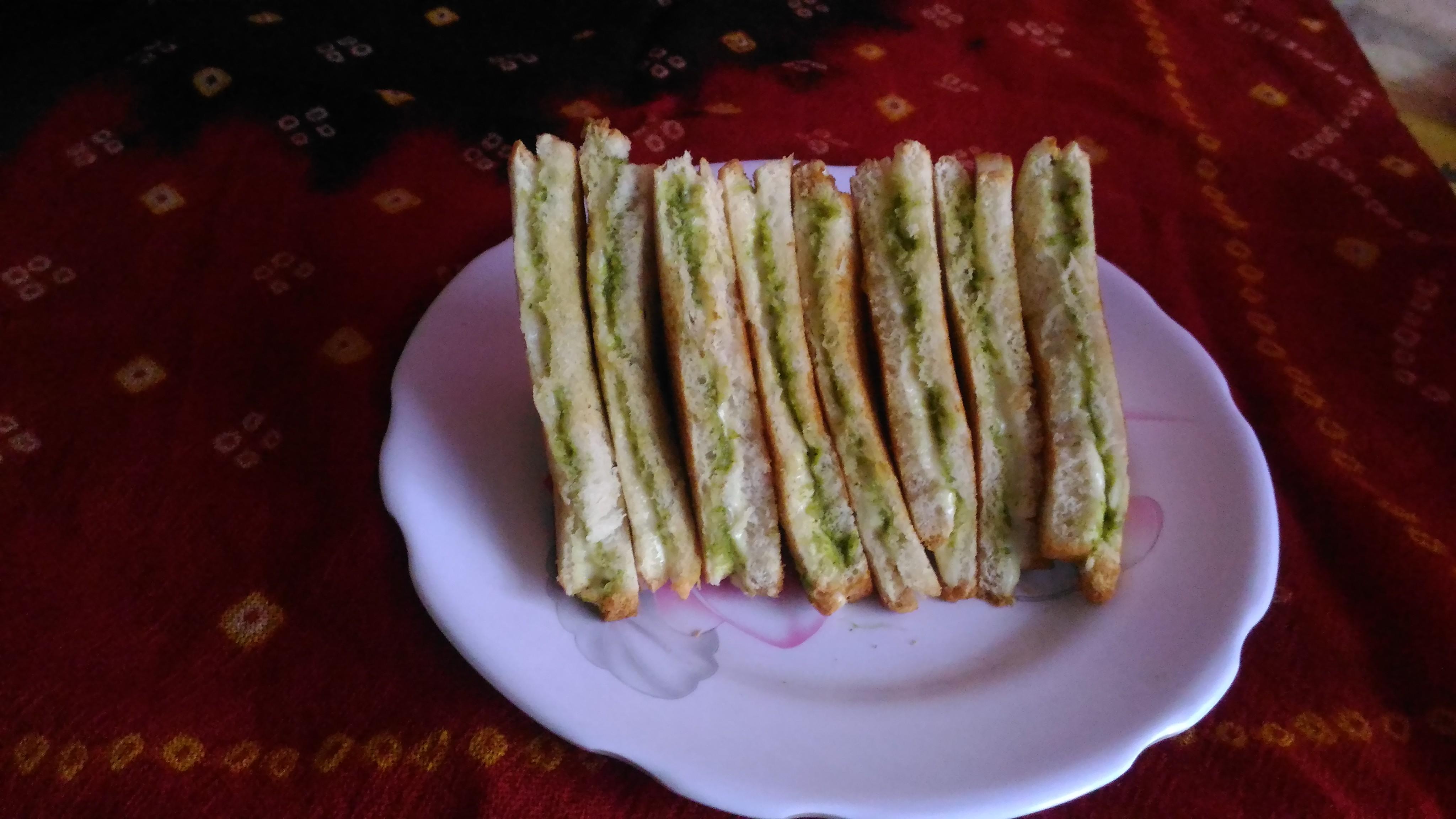 Cheese chutney sandwich