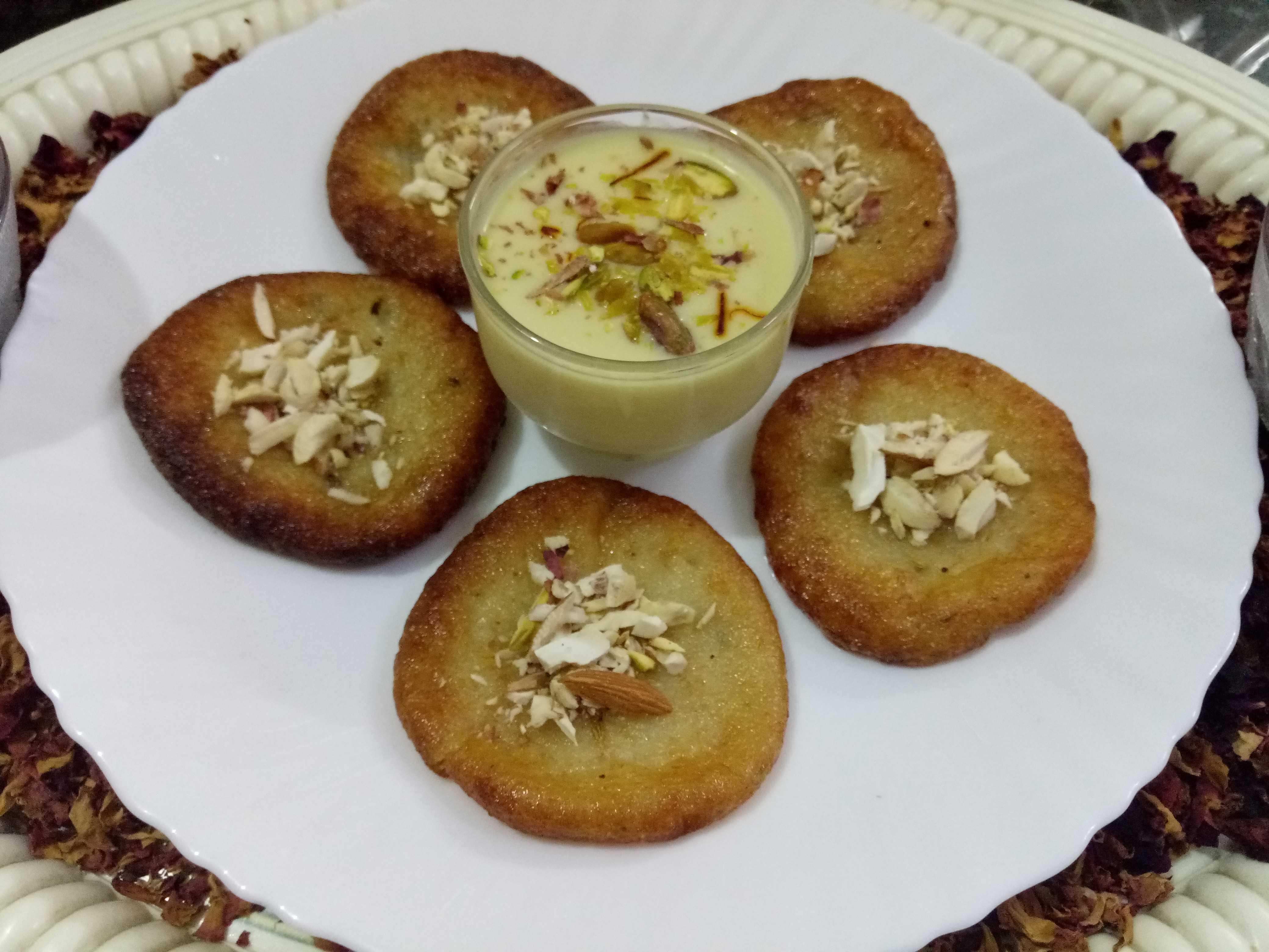 Banana Malpua With Kesariya Rabadi