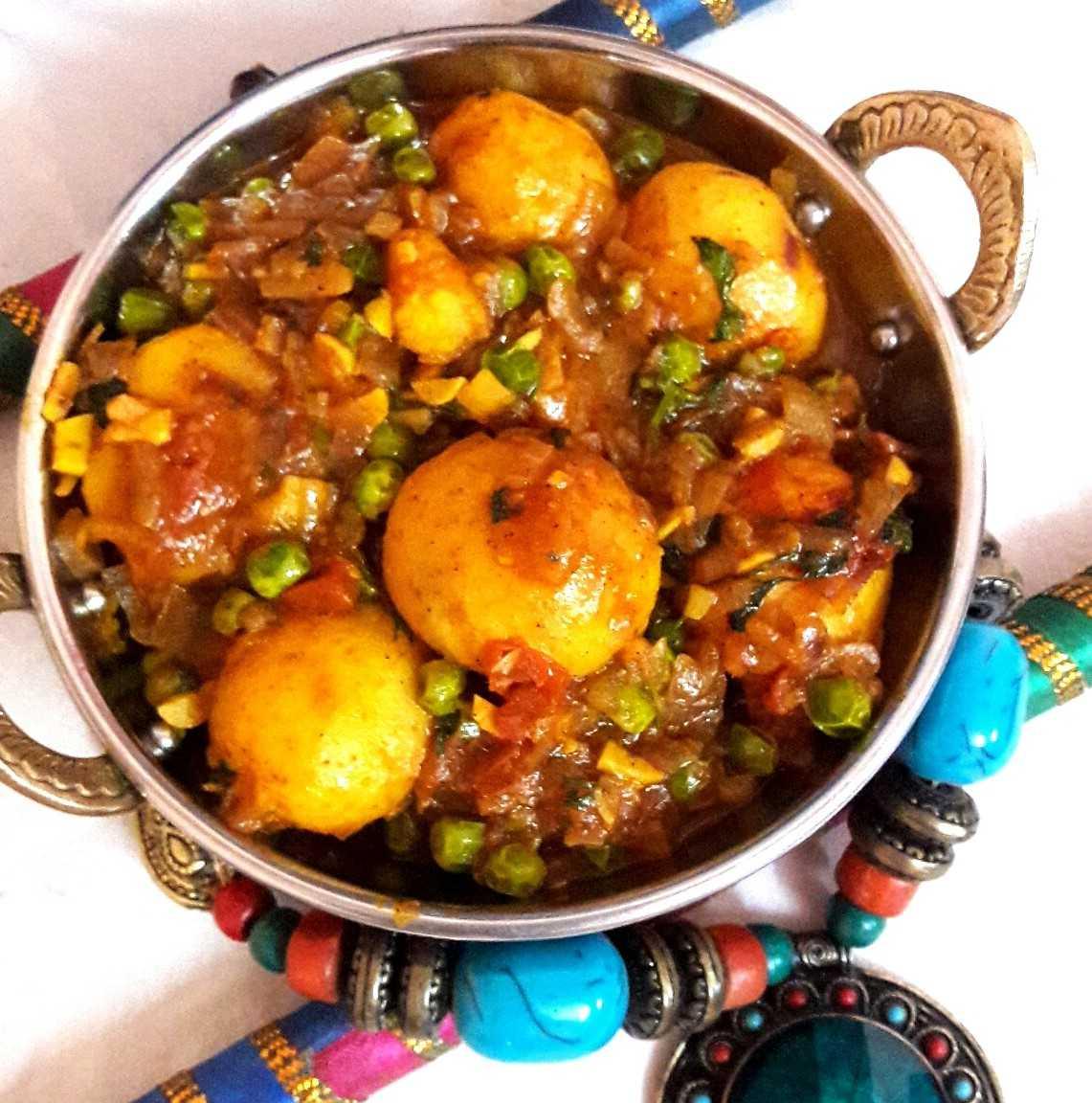 Dum Aloo (Bengali Style)