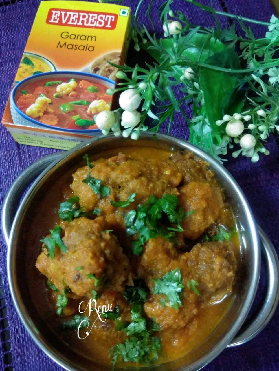 Dudhi Kofta Curry ( Bottleguard/ Lauki Dumplings In Rich Spicy Indian Gravy