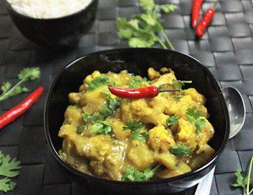 Aloo Gobi Palda (Potato-Cauliflower in Yoghurt Sauce - Himachali Style)