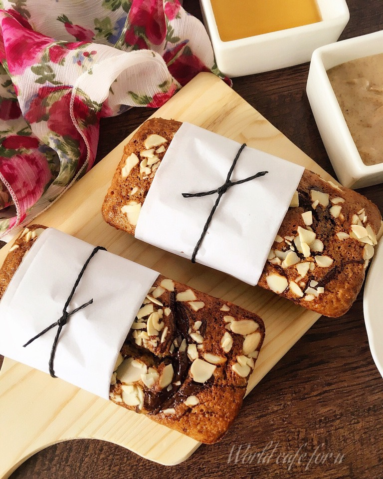 Banana-Almond butter bread