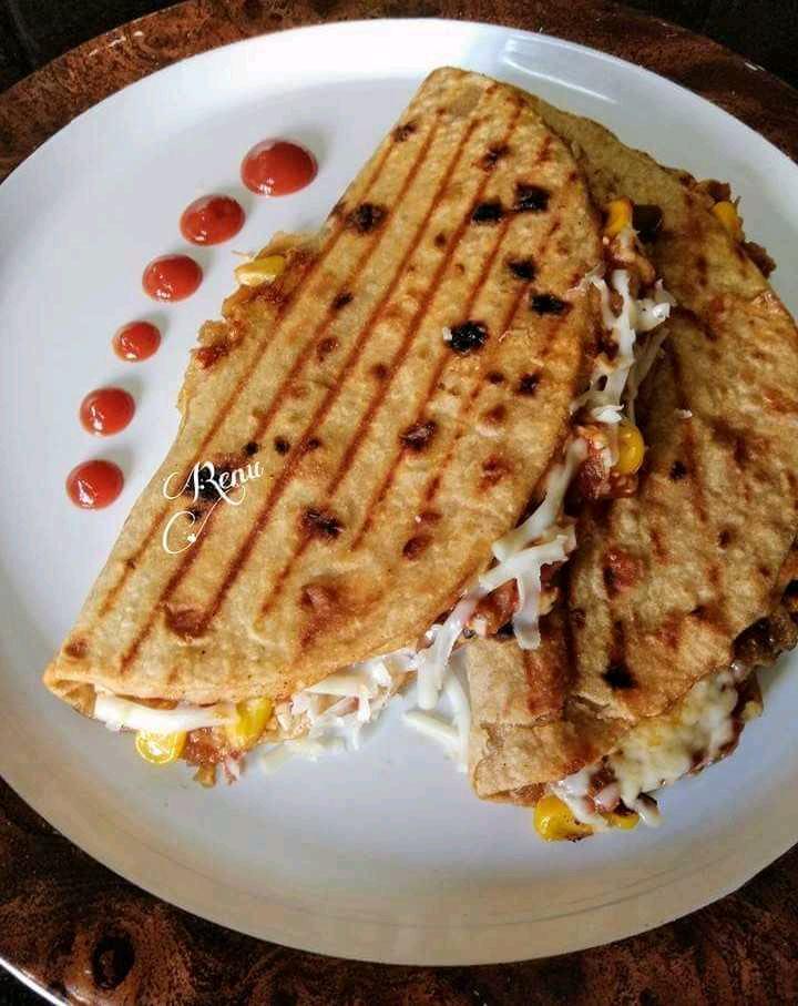 Grilled Chapati Sandwich