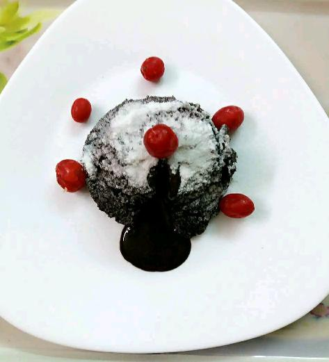 EGG LESS MOLTEN LAVA CAKE IN 1 MINUTES