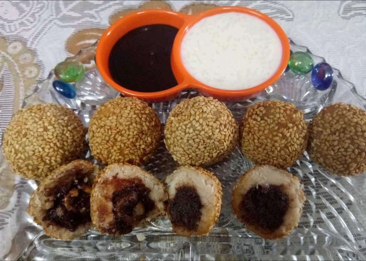 Choclate Stuffed Rice Sesame Balls