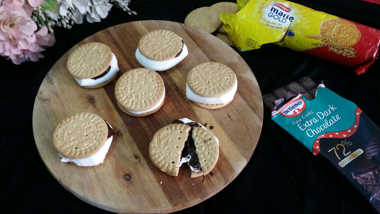 S'mores Sandwiched Biscuits