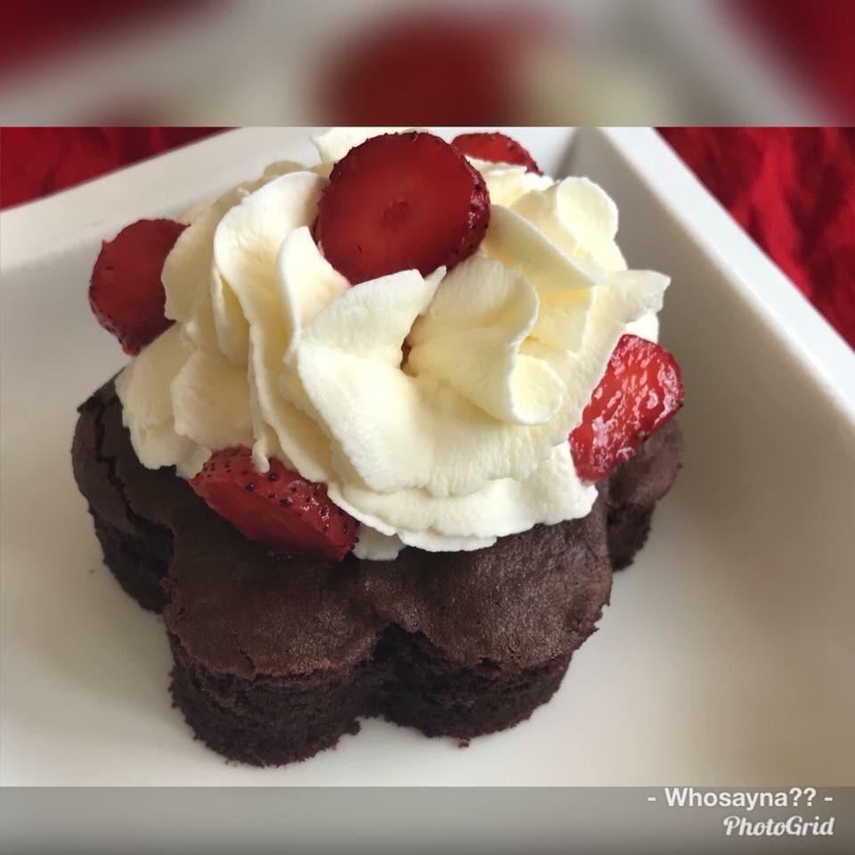 Whosayna's Brownie topped with Strawberry Swirl