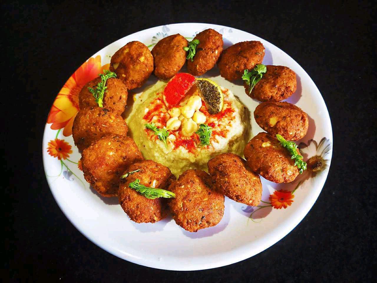FalaFal  With Hummus