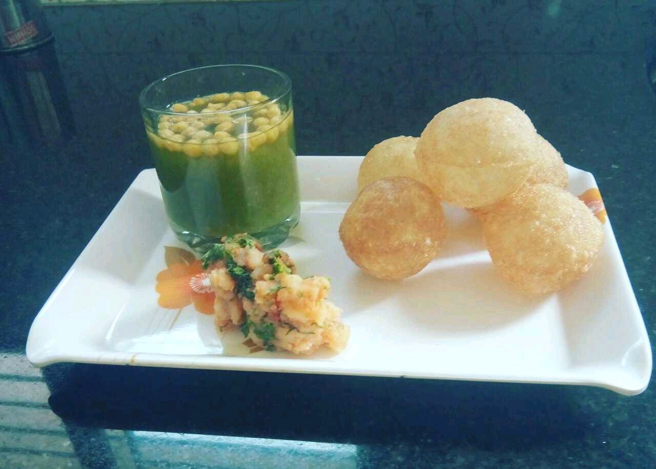 Pineapple Pani Puri