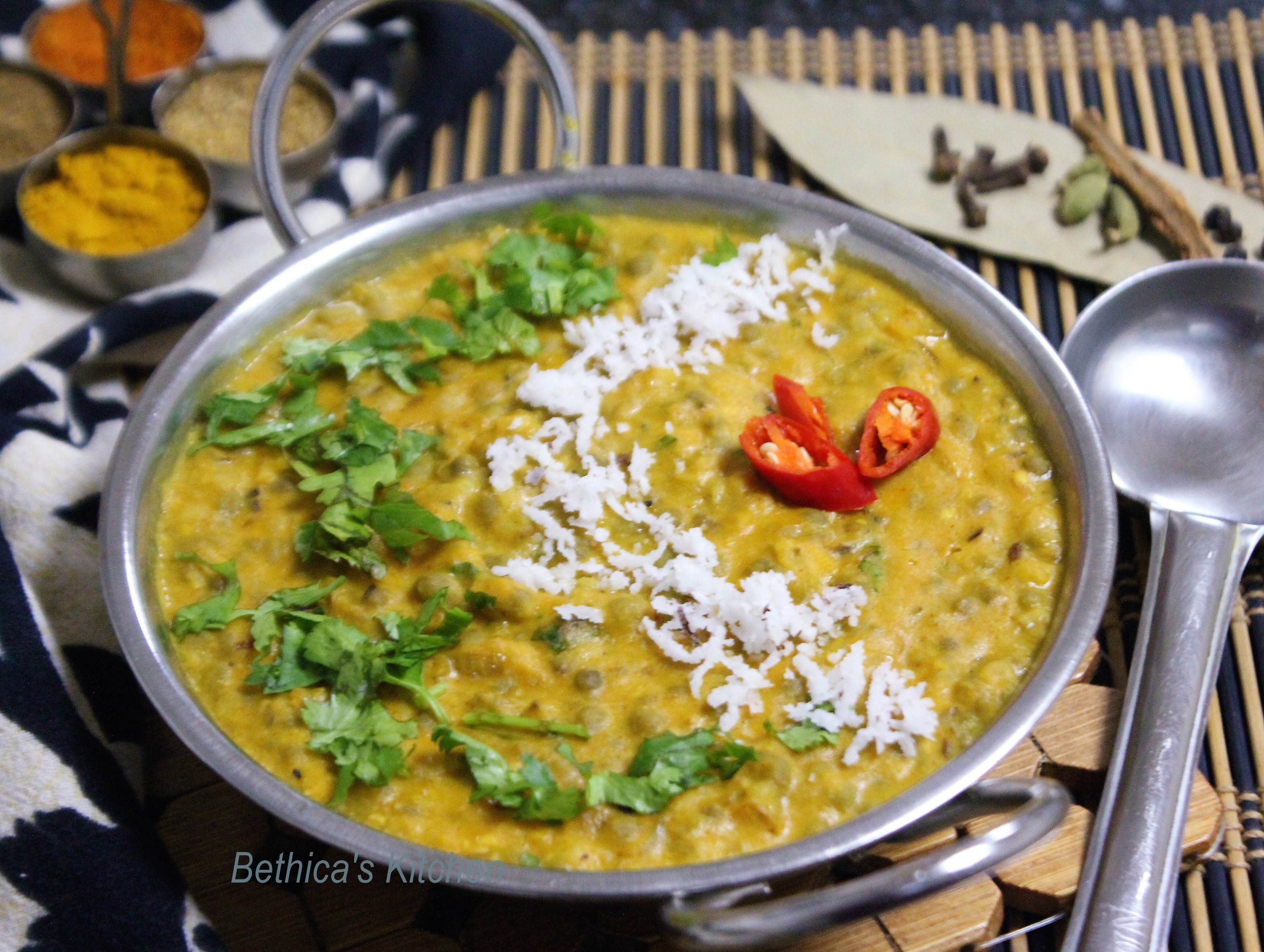 Teliya Mah (An old & a Traditional Himachali Style Lentil Curry)