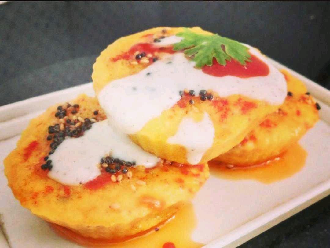 Handvo Muffins With Creamy Cheese Sauce