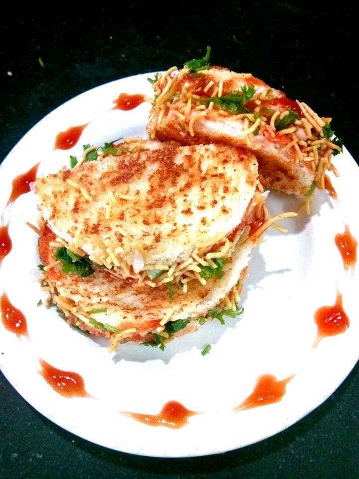 Aloo Tamatar Sandwich