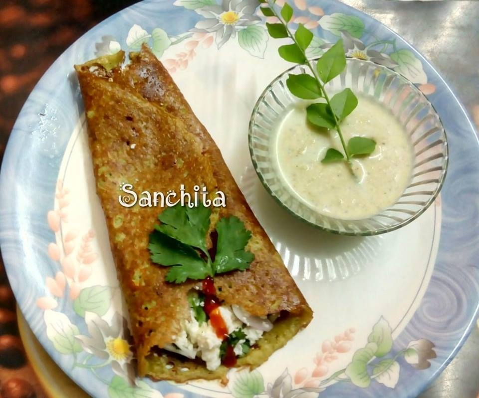 Green moong dal chilla with Paneer filling