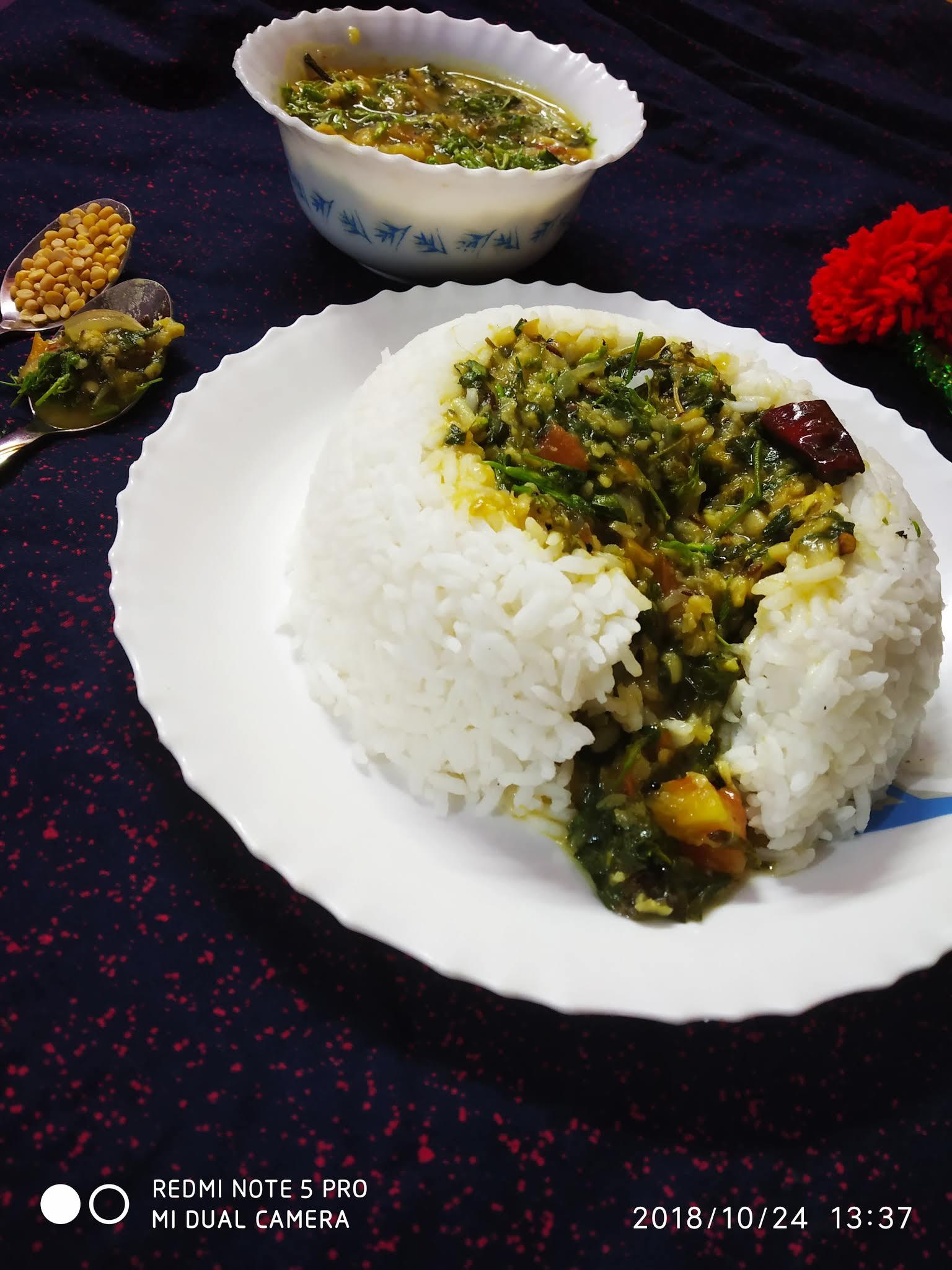 Moringa leaves kootu in a rice bowl