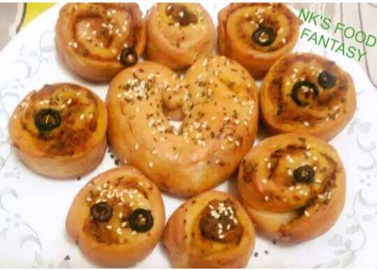 Stuffed Rose Buns With Heart