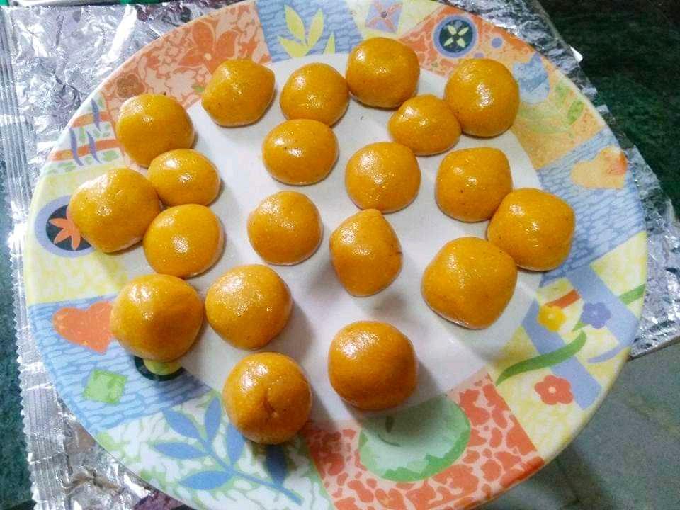 Kasariya kaju balls