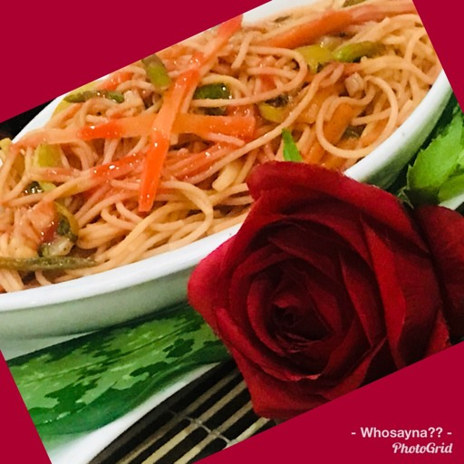 Whosayna's Spaghetti tossed in Red Sauce