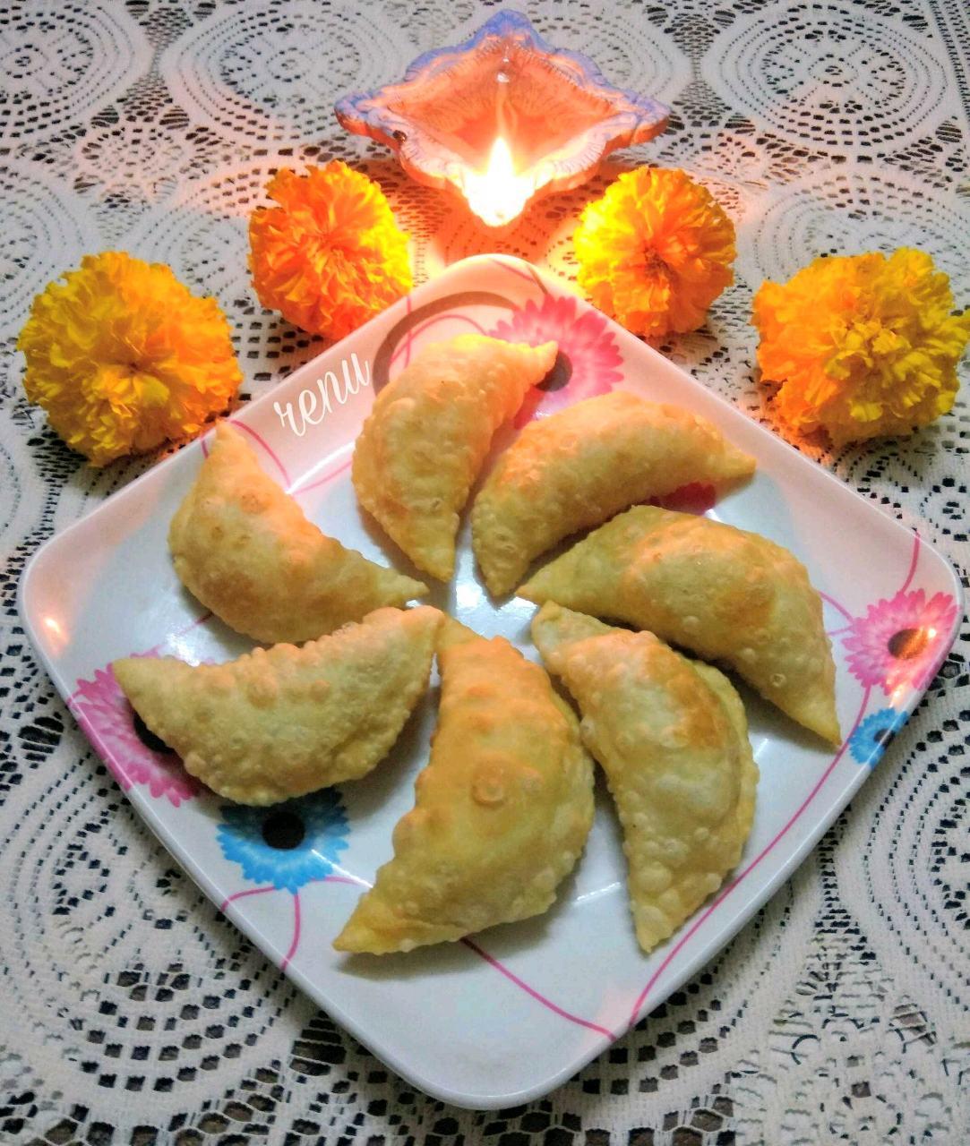 Coconut Karanji Or Gujhiya