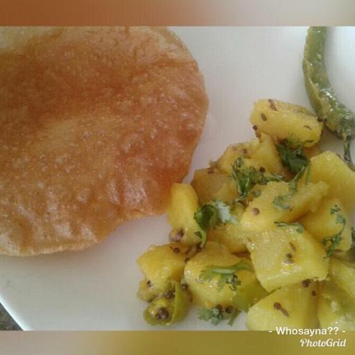 Whosayna's Methi Aloo n Puri