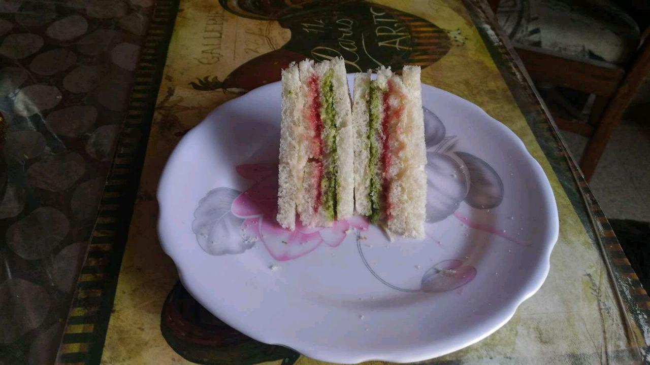 Hut Sandwich